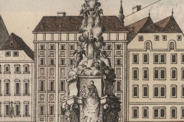 Na obrazku archiwalna pocztówka przedstawiająca rysunek kolumny morowej na tle budynków.